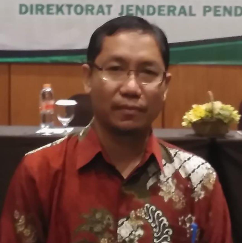 Ulfiani Rahman, S.Ag.M.Si., Ph.D.
